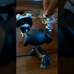 Lps: His Secret Obsession  Epi:3 (Meet the Gang)